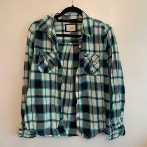 ⭐️3/$25⭐️ Plaid Button down Flannel tip